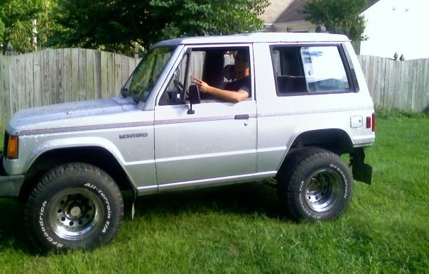 Picture of 1987 Mitsubishi Montero, exterior