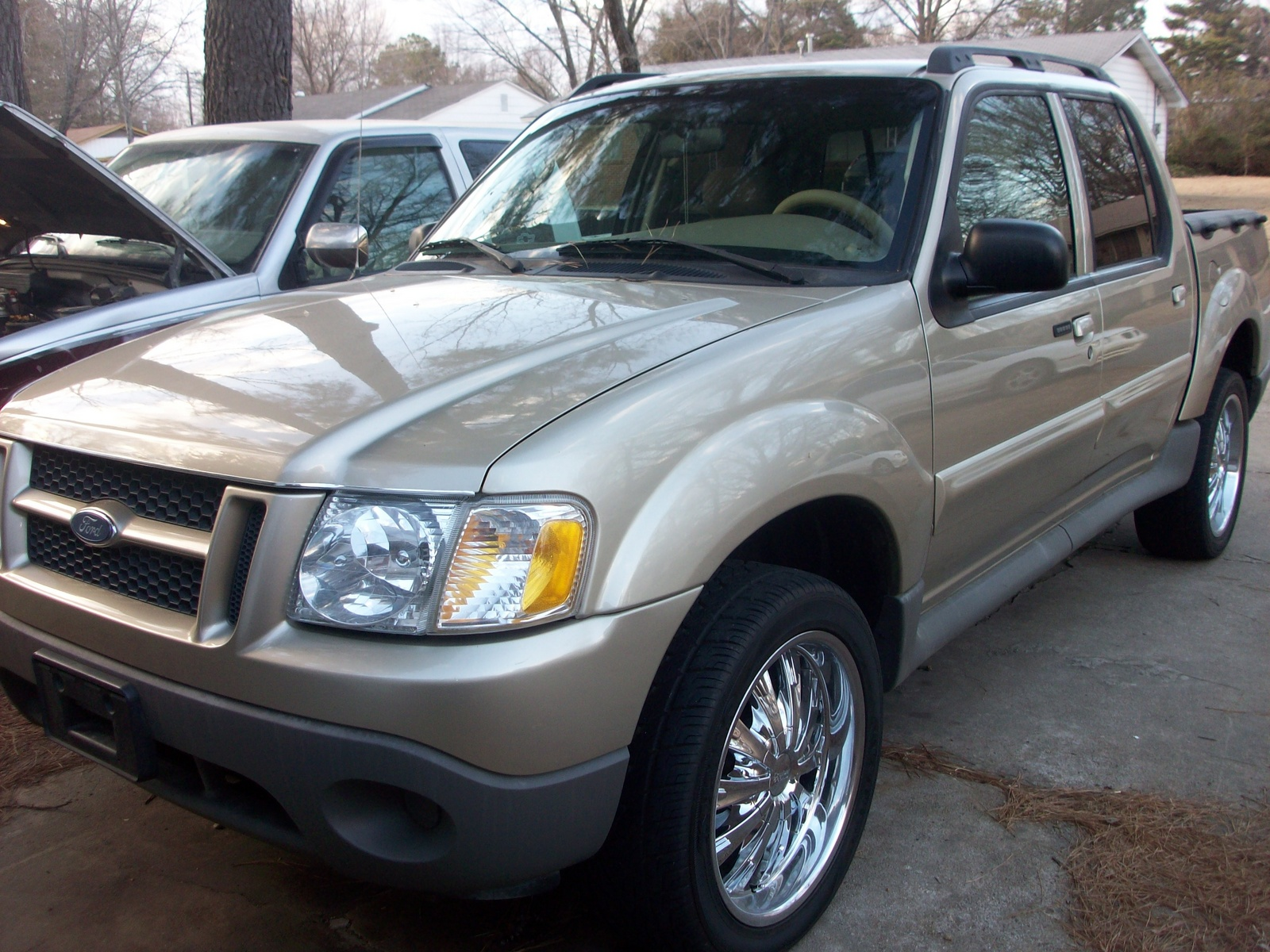 2003 ford explorer sport trac 4 dr xls crew cab sb picture exterior. Cars Review. Best American Auto & Cars Review