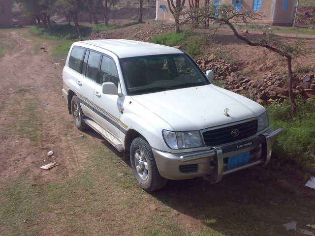 Picture of 2000 Toyota Land Cruiser 4 Dr STD 4WD SUV, exterior
