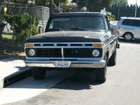 1977 Ford F-150,  this is a one owner when I got it I have a 79 now.  That was a 77 400M the 79 is a 302, exterior