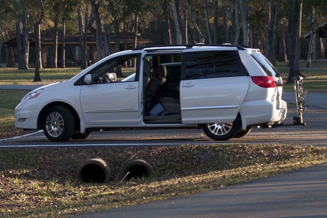 Picture of 2010 Toyota Sienna XLE Limited, exterior, gallery_worthy