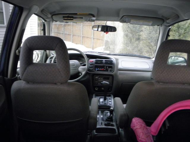 2003 Chevrolet Tracker - Interior Pictures - CarGurus