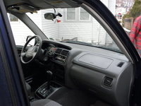 Picture of 2003 Chevrolet Tracker Base 4WD, interior