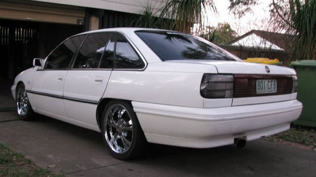 Picture of 1992 Holden Calais