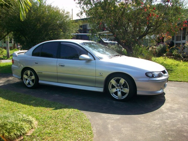 Picture of 2001 Holden Commodore