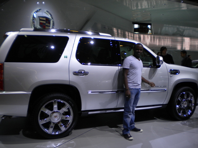 Picture of 2010 Cadillac Escalade Premium 4WD, exterior, gallery_worthy