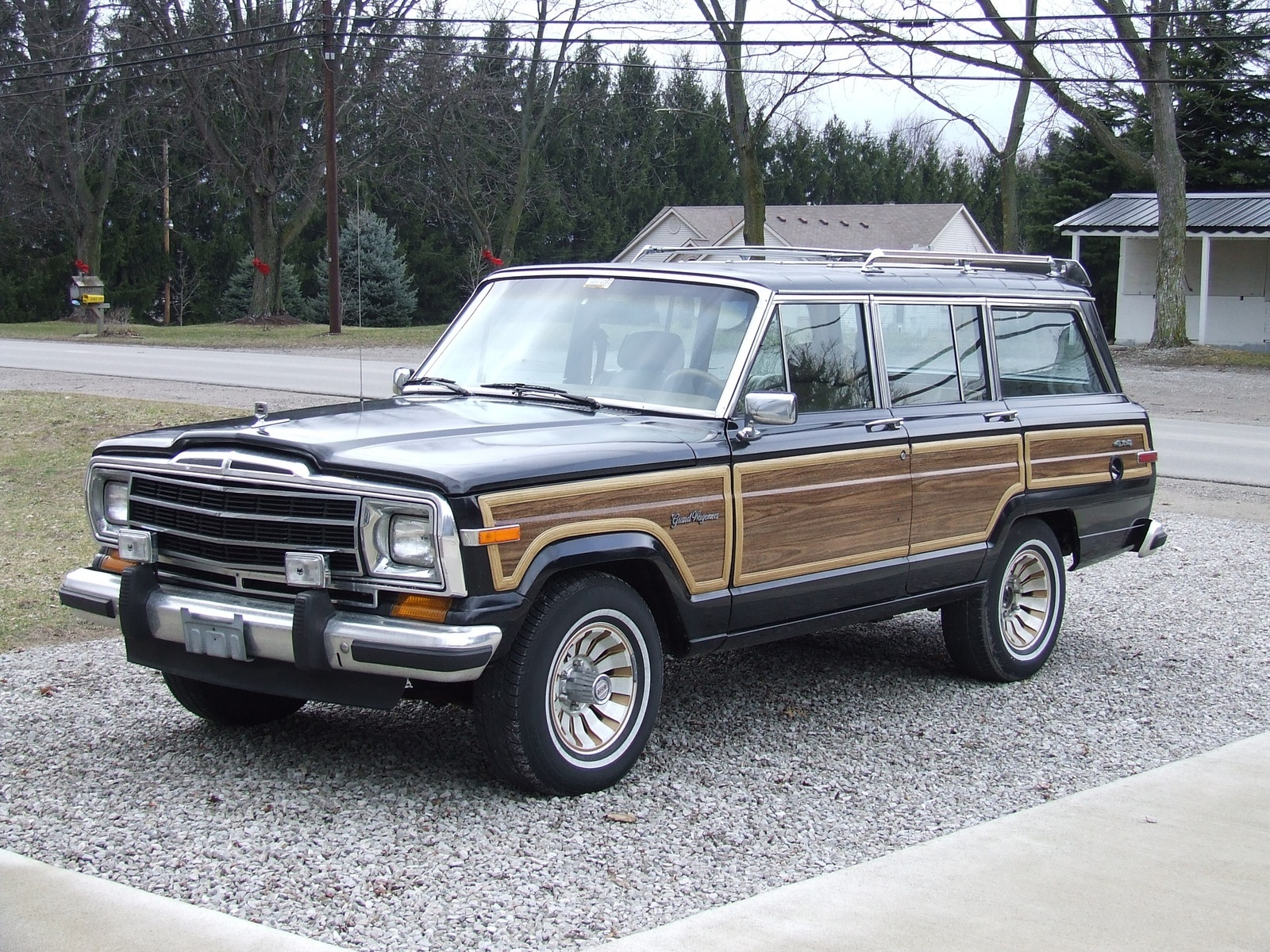 1987 jeep grand wagoneer overview cargurus. Black Bedroom Furniture Sets. Home Design Ideas