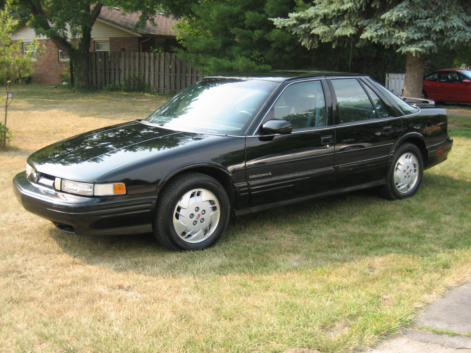 1992 Oldsmobile Cutlass Supreme 4 Dr S Sedan picture