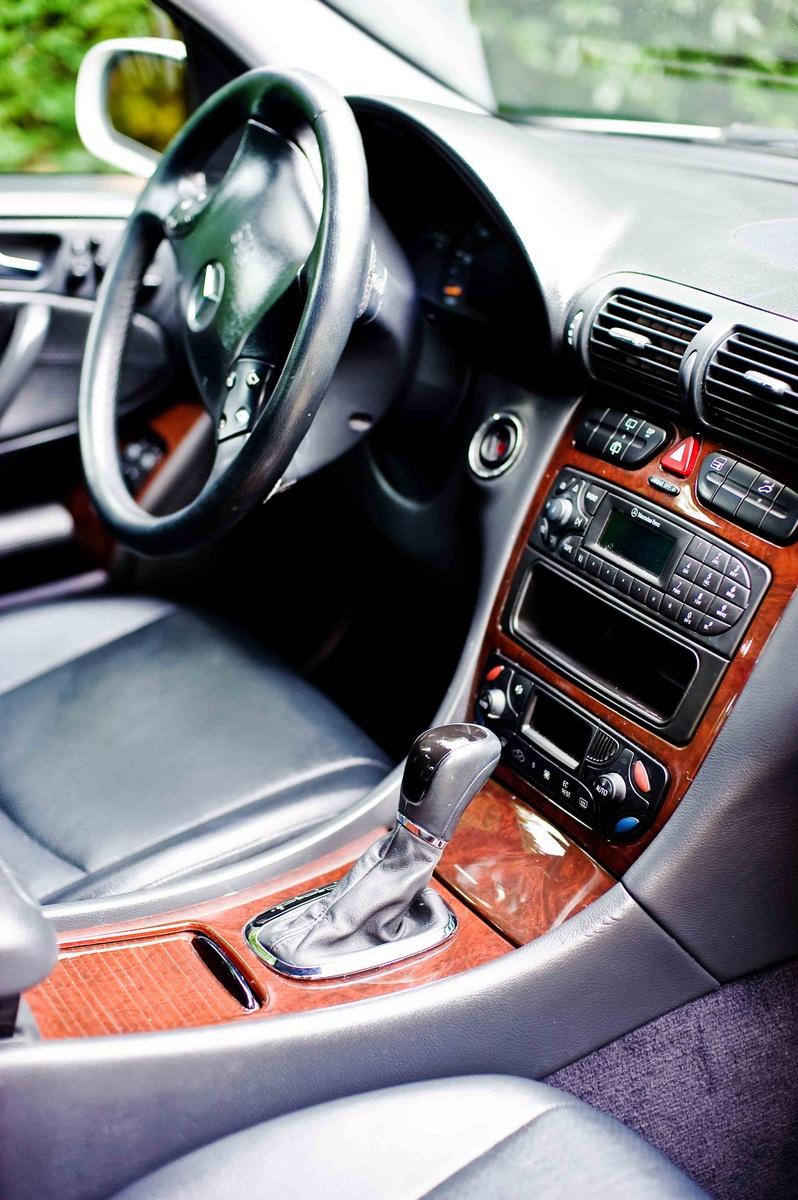 Picture of 2001 mercedes benz c class 4 dr c320 sedan exterior for 2002 mercedes benz c class wagon
