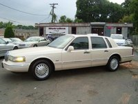 1997 Lincoln Town Car Signature, 1997 Lincoln Town Car 4 Dr Signature Sedan picture, exterior
