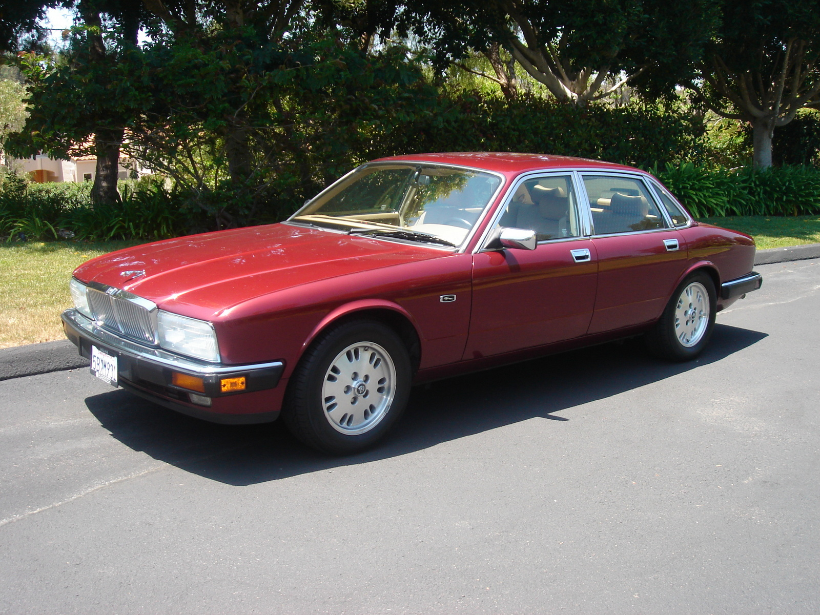 1994 Jaguar XJ-Series 4 Dr XJ6 Sedan picture