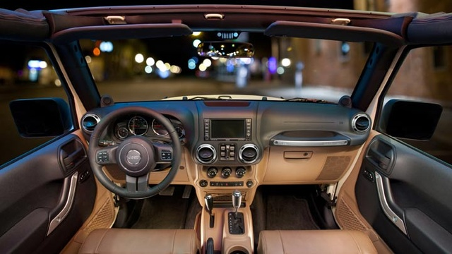 2011 Jeep Wrangler Unlimited Sahara Interior