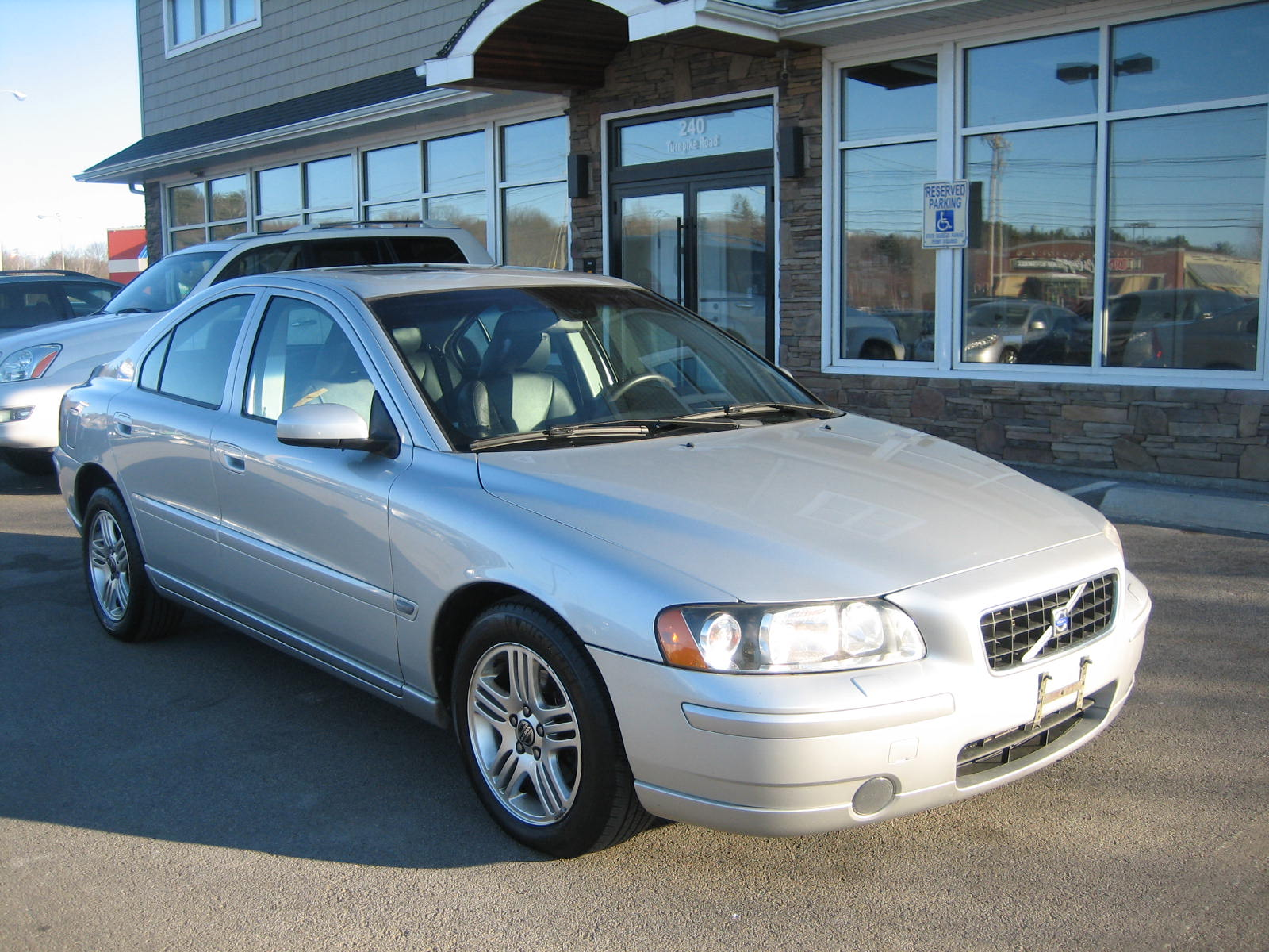 Picture of 2005 volvo s60 2 5t awd exterior