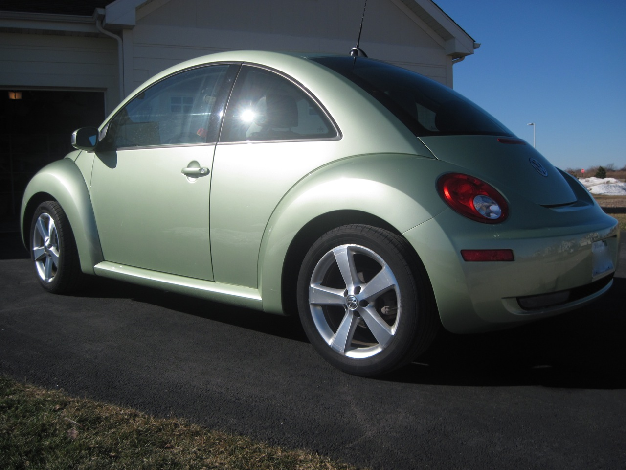 2006 volkswagen beetle pictures cargurus. Black Bedroom Furniture Sets. Home Design Ideas