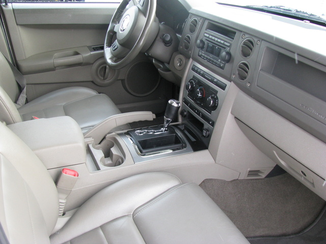 2007 jeep commander pictures cargurus for Jeep commander interior