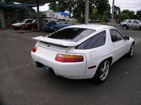 1989 Porsche 928 Overview