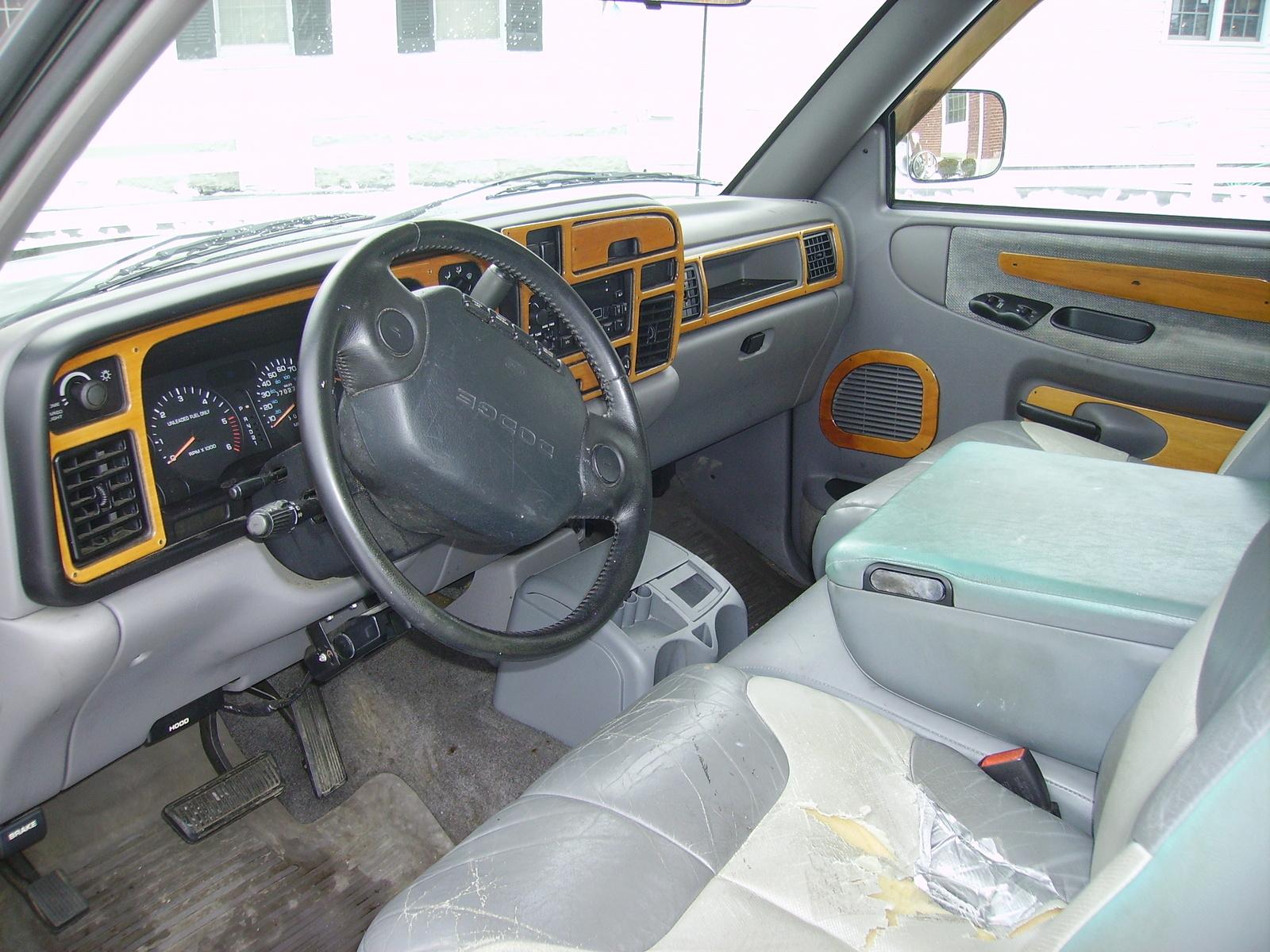 Dodge Ram Pickup Dr Laramie Slt Extended Cab Lb Pic on 1996 Dodge Dakota 4x4 Review