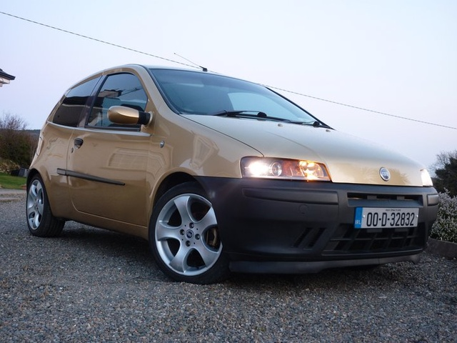 Picture of 2000 Fiat Punto