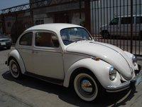 1971 Volkswagen Beetle, con llantas cara blanca, exterior