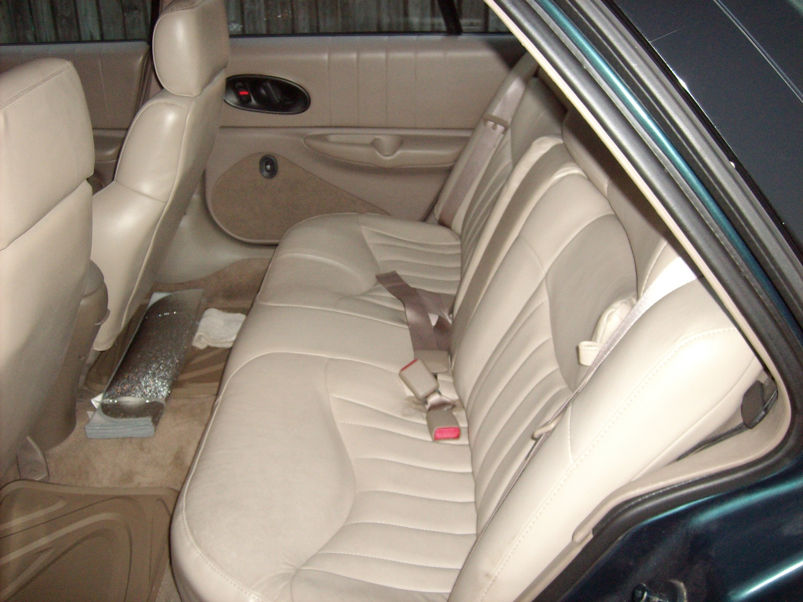 1997 Oldsmobile Cutlass Supreme 4 Dr SL Sedan picture, interior