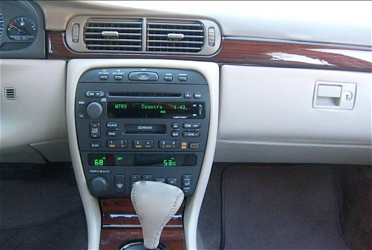 1999 Cadillac Deville Interior
