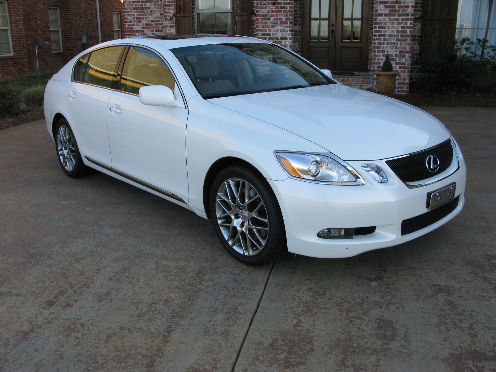 Disable as well 181462924389 together with 2013 Lexus Es Preview moreover Exterior 56534818 furthermore Bentley Logo. on 2007 lexus is 250 interior