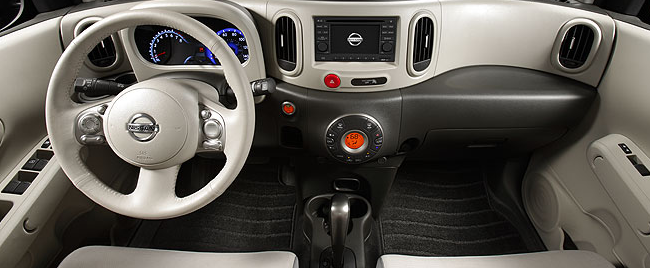 2011 Nissan Cube, Front Seat