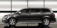 2011 Volkswagen Routan, Side View. , exterior, manufacturer