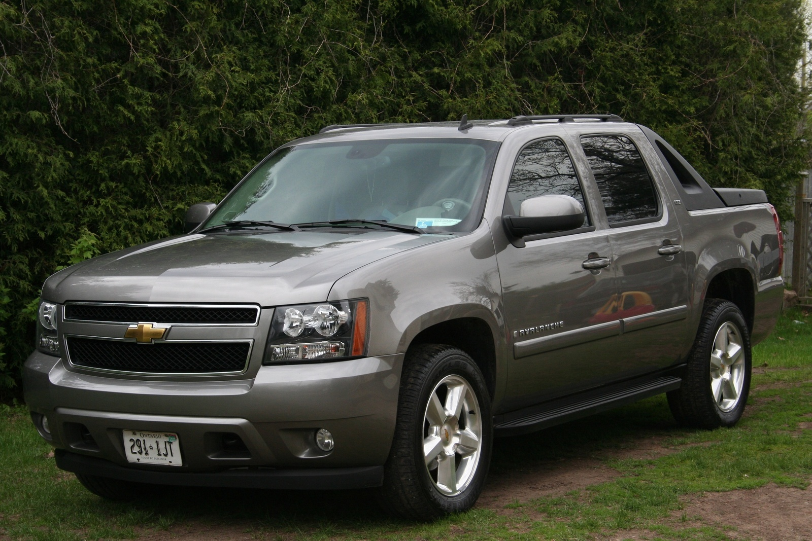 chevrolet avalanche questions mpg on this truck cargurus. Black Bedroom Furniture Sets. Home Design Ideas