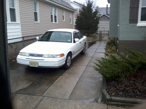 Picture of 1992 Ford Crown Victoria