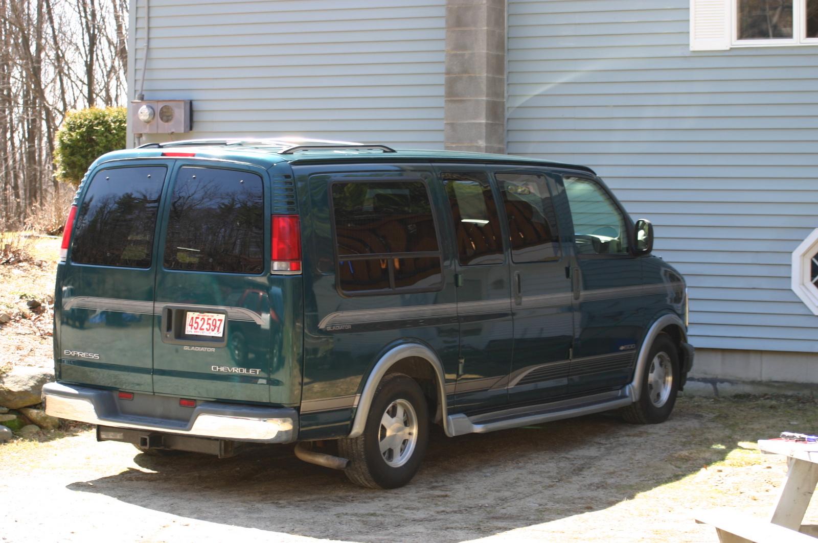 1999 Chevrolet Express picture