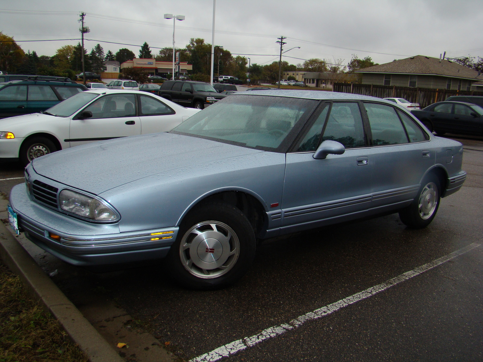 1994 Oldsmobile Eighty-Eight Royale 4 Dr LSS Sedan picture, exterior