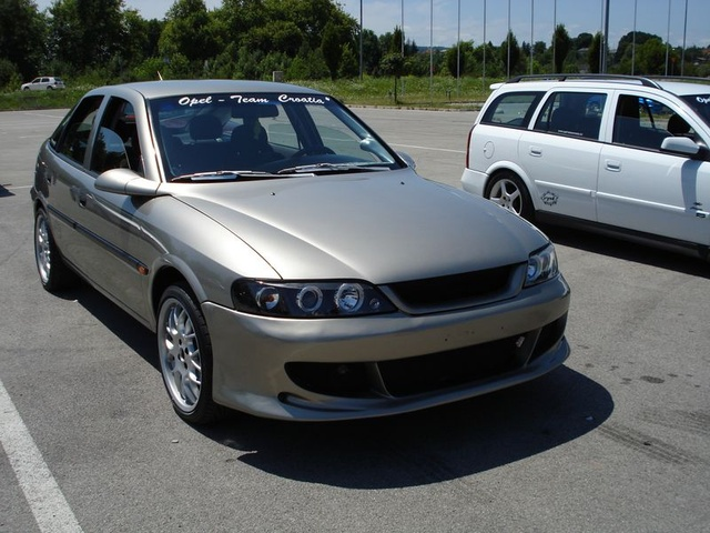 Picture of 1997 Opel Vectra