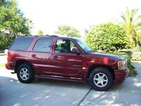 2000 GMC Yukon Denali 4WD, Side Exterior View, exterior, gallery_worthy
