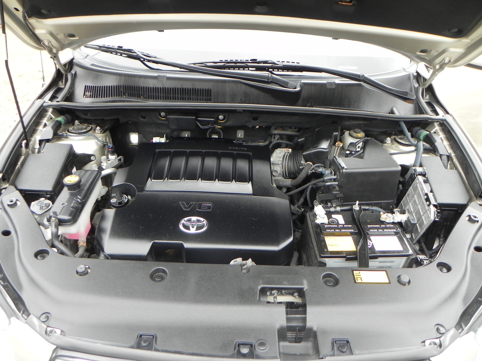 battery location toyota rav4  battery  free engine image