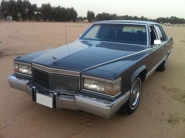 Picture of 1990 Cadillac Brougham