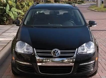 2010 Volkswagen Jetta SportWagen, Front View. , exterior, manufacturer