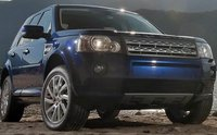 2011 Land Rover LR2 Picture Gallery