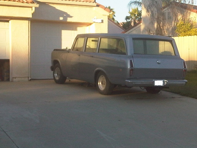 Picture of 1972 International Harvester Travelall