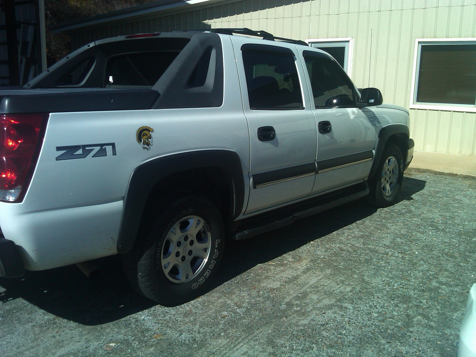 recall alert 2011 chevrolet avalanche and silverado 1500. Black Bedroom Furniture Sets. Home Design Ideas