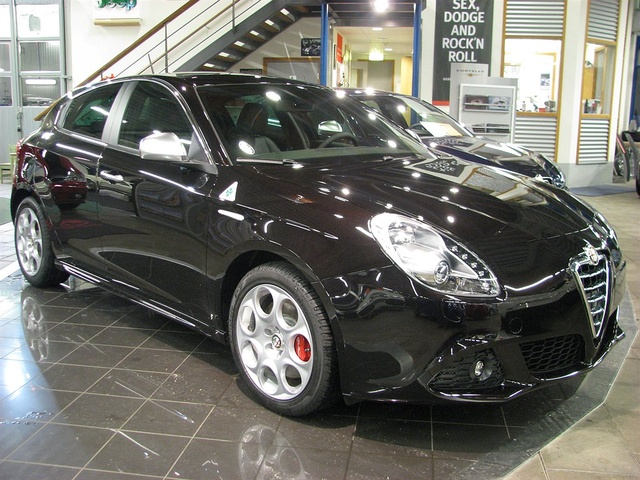 Picture of 2010 Alfa Romeo Giulietta