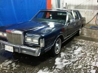 1987 Lincoln Town Car, Look at how pretty she looks, exterior