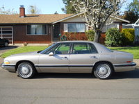 1994 Buick Park Avenue 4 Dr Base Sedan picture