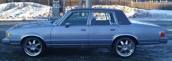 1983 Pontiac Bonneville picture, exterior