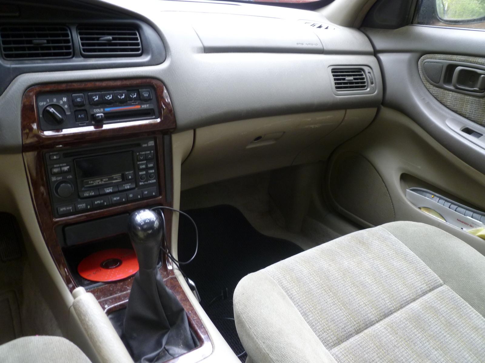 Nissan 1998 Altima