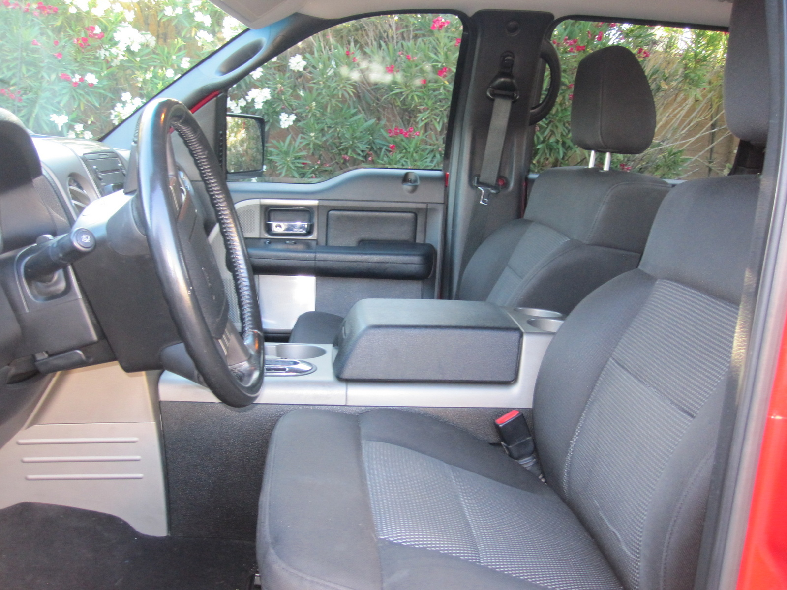 2004 ford f 150 pictures cargurus. Black Bedroom Furniture Sets. Home Design Ideas