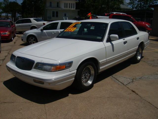 1997 mercury grand marquis 4 dr gs sedan picture exterior. Black Bedroom Furniture Sets. Home Design Ideas