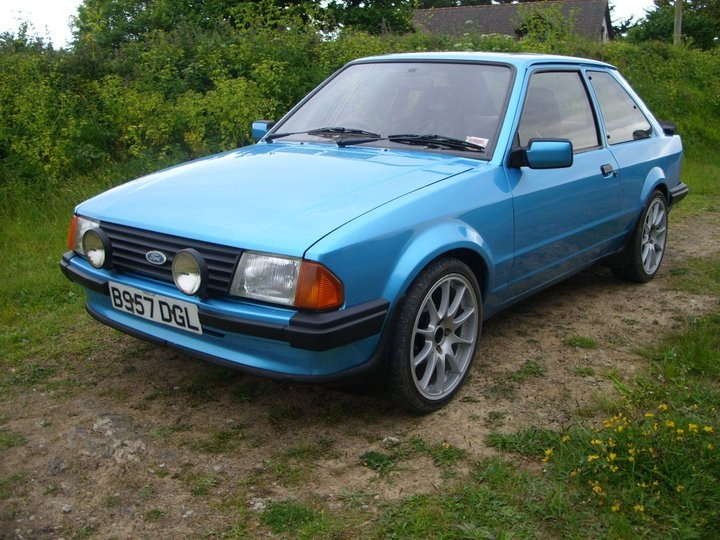 Ford Escort Pic X on 1989 Dodge Ram Blue