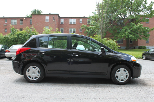 Amazing Picture Of 2011 Nissan Versa 1.8 S Hatchback, Exterior, Gallery_worthy