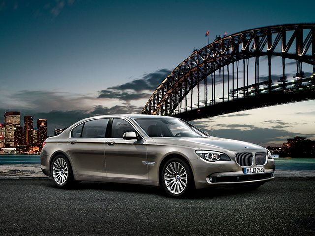 2012 BMW 7 Series, Front Right View, exterior, manufacturer